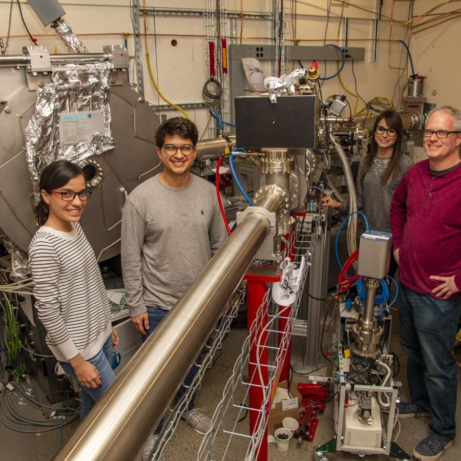 PREM students at a CHEXS beamline